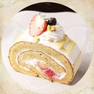 イタリア産ピスタチオのロールケーキ