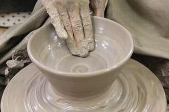 陶芸体験でふた付きの丼を作ってみよう
