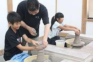 陶芸体験 ろくろ体験 益子焼き体験 指導しています