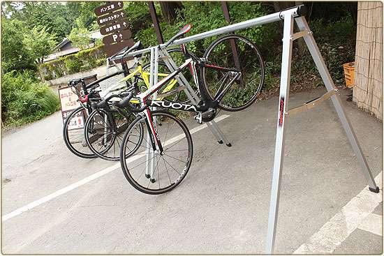 スポーツサイクル用の駐輪場
